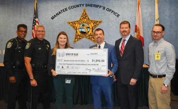Spirit of Blue Grants Lifesaving Tourniquets to Every Manatee County Deputy